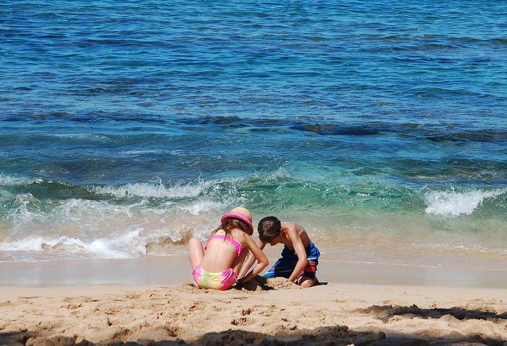море дети пляж песок